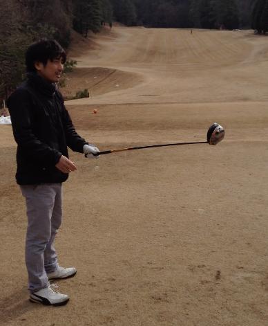 アダムスコットのスイングとアベレージゴルファーの比較