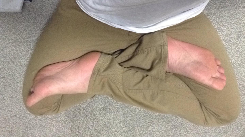 もっと太ももの付け根まで足をよせるっぽいけどそこまではさすがにできない……