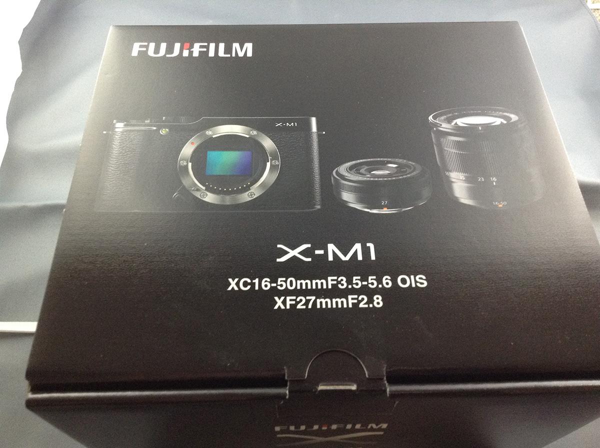 FUJIFILMのX-M1の購入時に一緒に買わなければメンドーなもの